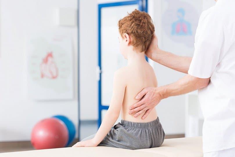 drabinka gimnastyczna ćwiczenia skolioza