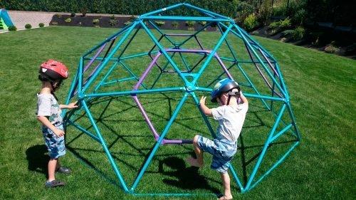 kopuła wspinaczkowa do zabawy w ogrodzie