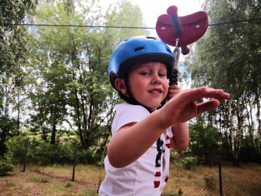 zjazd_linowy_do_ogrodu_dla_dzieci