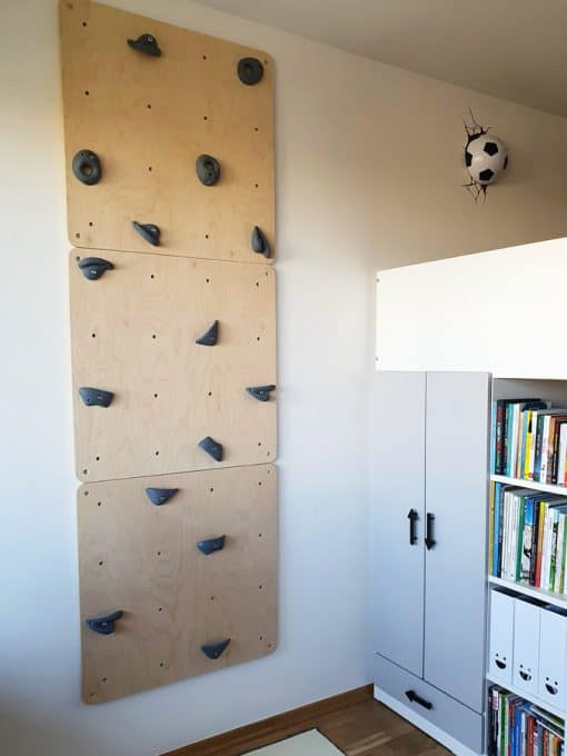 ścianka wspinaczkowa w pokoju