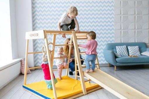 drewniany_domowy_plac_zabaw_dla_dzieci_rakieta