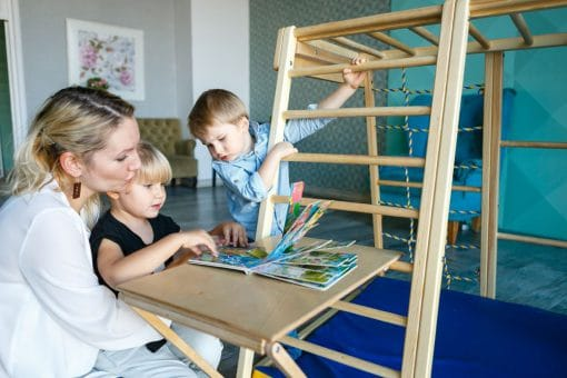 stolik_skladany_dla_dzieci_drewno_do_pokoju