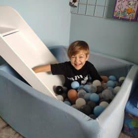 basen z kulkami kwadratowy do pokoju dla dziecka