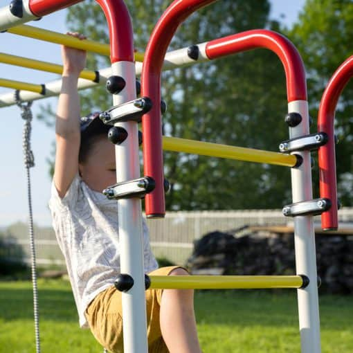 dzieci_ogrodowy_plac_zabaw_akrobata