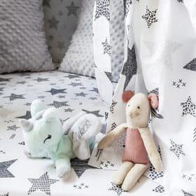 namiot_tipi_w_pokoju_dla_dzieci_zabawki