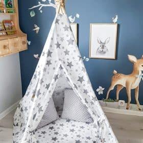 namioty_tipi_w_pokoju_dla_dzieci_zabawki_gwiazdy