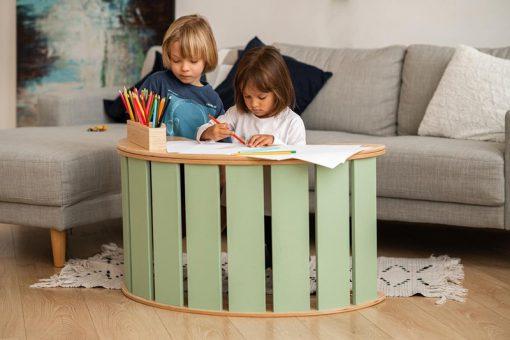stolik_na_bujak_drewniany_w_pokoju_dla_dzieci
